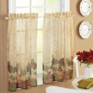 Better Homes & Gardens, Set Wine Theme Curtains